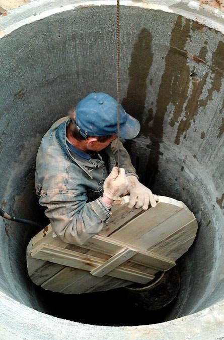Как мы выполняем чистку колодца в Ясногородском районе